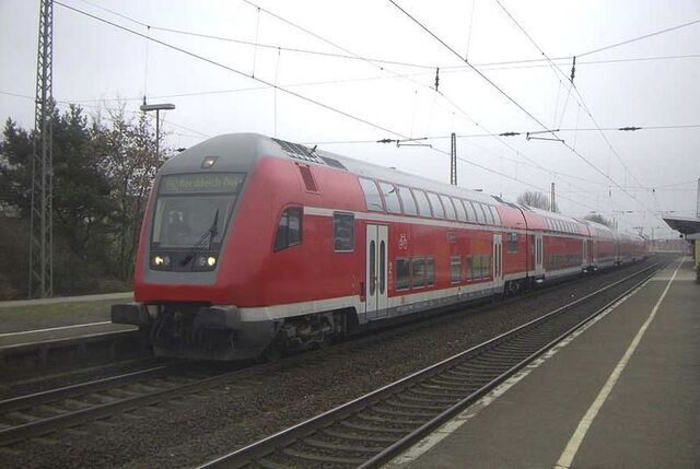 File:MT train.jpg