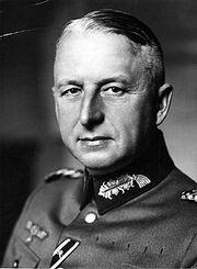 220px-Bundesarchiv Bild 183-H01757, Erich von Manstein