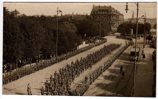 File:German troops riga 1916.jpg