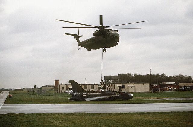 File:WoodbridgeHelicopter.jpg