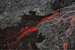 800px-Pāhoehoe and Aa flows at Hawaii