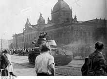 File:220px-Bundesarchiv Bild 175-14676, Leipzig, Reichsgericht, russischer Panzer.jpg