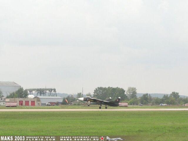 File:Su-47 1.jpg