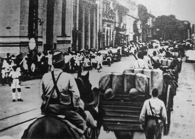 File:800px-Japanese troops entering Saigon in 1941.jpg
