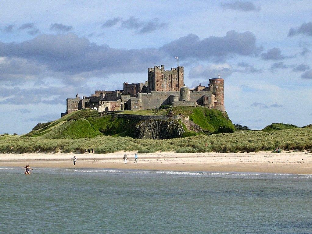 File:Bamburgh castle.jpg