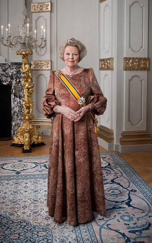 File:Beatrice of the Netherlands.png
