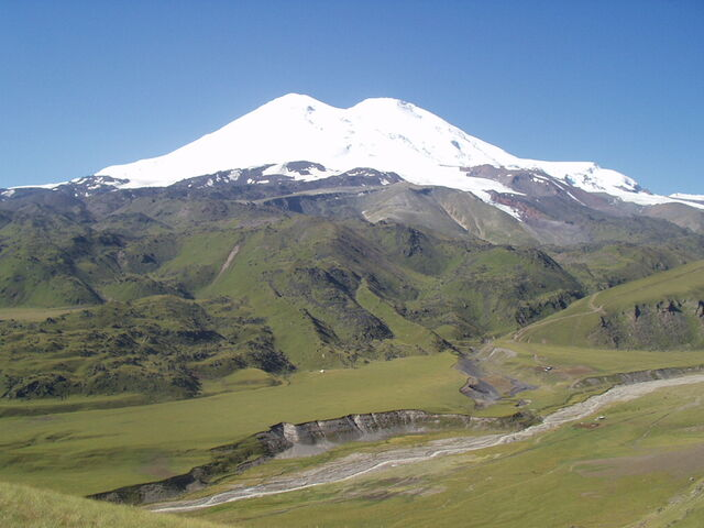File:Elbrus North 195.jpg