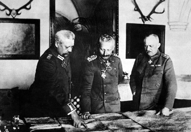File:Hindenburg, Kaiser, Ludendorff HD-SN-99-02150.jpg