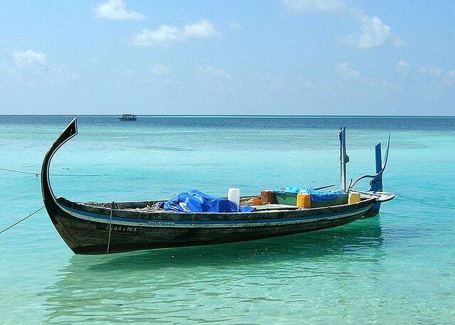 File:800px-Doni aux Maldives cropped.jpg