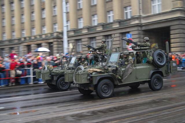 File:Armoured car.jpg