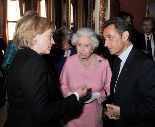 File:Hillary with the Queen.jpg