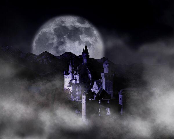 File:Night Neuschwanstein.jpg