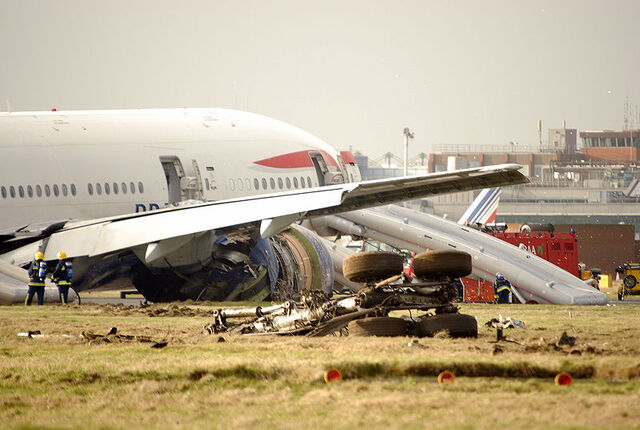 File:777 crash.jpg