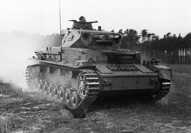 File:Bundesarchiv Bild 183-J08365, Ausbildung, Überrollen durch Panzer.jpg