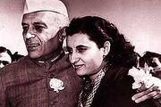 Indira Gandhi returns to india