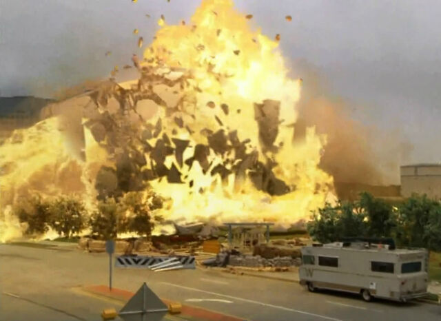 File:Walkingdeadepisode6explosion.jpg