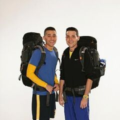Dan &amp; Jordan's alternate promotional photo for <i>The Amazing Race</i>.