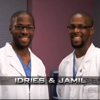 Idries & Jamil's opening pose.