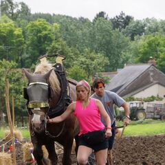 Trey &amp; Lexi doing the <i>Plow</i> Detour in <a href=