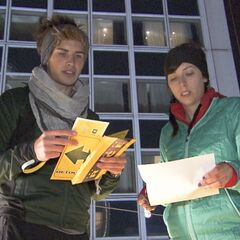 Joey &amp; Meghan reading their detour clue in <a href=