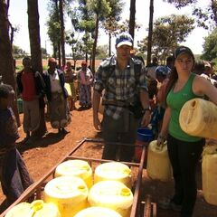 Brendon &amp; Rachel doing the <i>Water Supply</i> Detour as a result of being <a href=