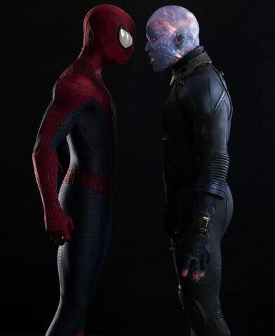 File:Movies-the-amazing-spiderman-2-spiderman-electro.jpg
