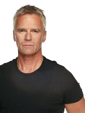 File:Richard Dean Anderson.jpg