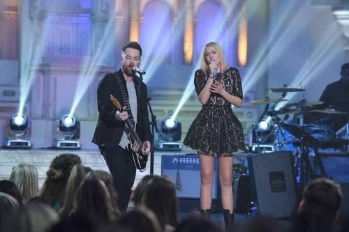 File:American-Idol-2016-Spoilers-Idol-Duets-Olivia-Rox-and-David-Cook-Performance-500x333.jpg