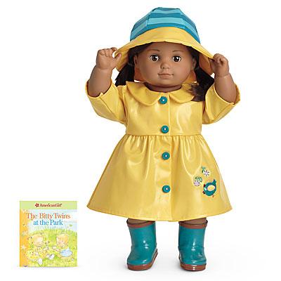 File:Sunny yellow rain gear.jpg