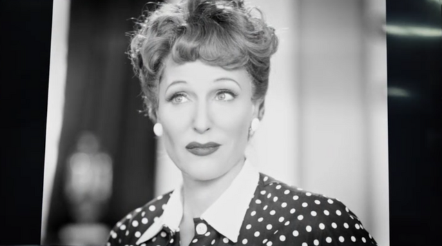 File:1x02 media as lucy ricardo bw crop.png