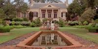 Mott Manor