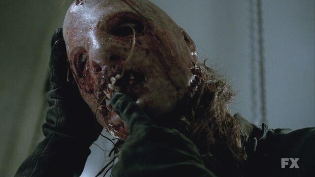 File:AHS S02E05 Thredson is Bloody Face.jpg