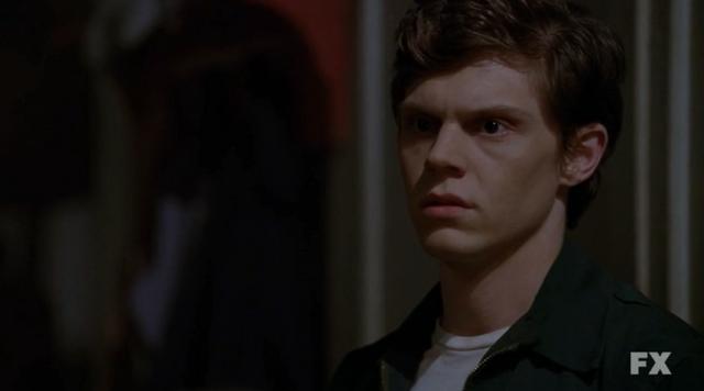 File:Evan Peters as Kit Walker on American Horror Story Asylum S02E01 .png