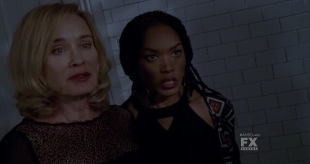 File:310 Fiona Goode and Marie Laveau.jpg