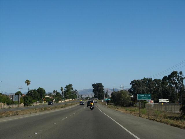 File:Ca-135 nb broadway 01.jpg