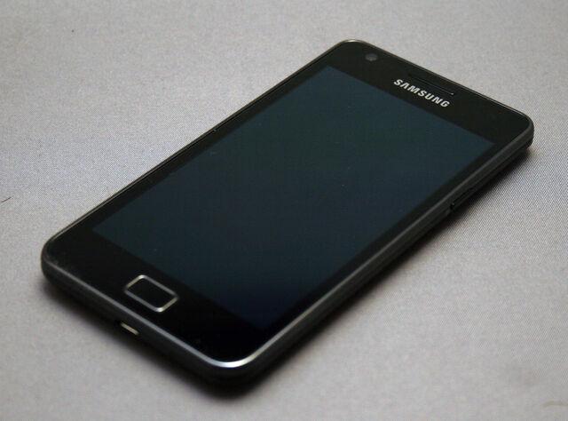 File:Samsung Galaxy S II (3).jpg