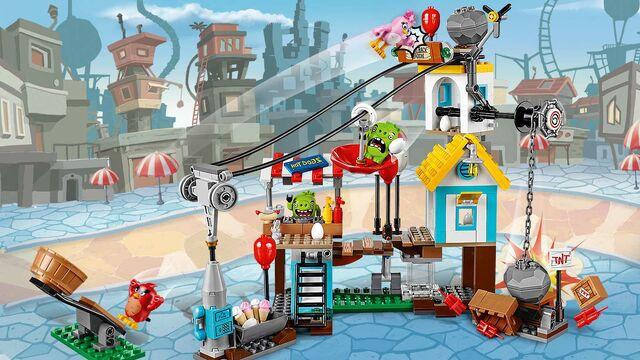 File:Lego-angry-birds-movie-Pig-City-Teardown-75824 home-banner.jpg