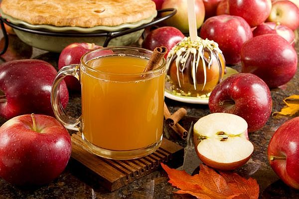 File:Apple cider.jpg
