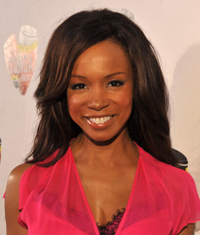 File:Elise-neal-attends-t9c4e6a.jpg
