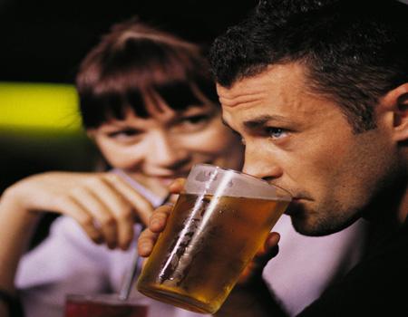File:Man-drinking-beer-pic-sm-289868461.jpg