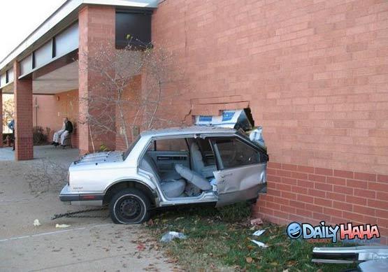 File:Car crash brick wall.jpg