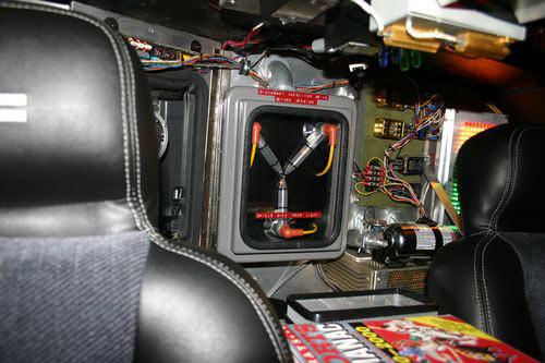 File:Back-to-the-future-flux-capacitor-replica-3.jpg