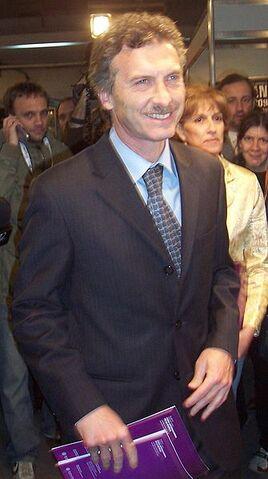 Archivo:Mauricio-Macri-BAfim-2008.JPG