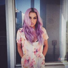 Kesha purple hair 2014
