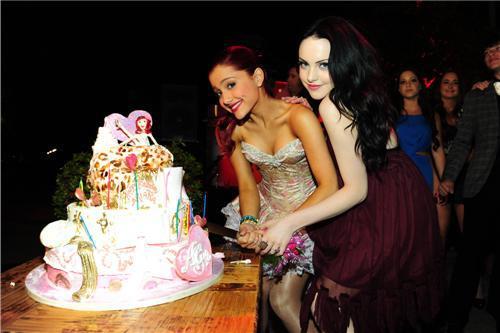 File:Ariana and Liz Gillies cutting Ariana's birthday cake.jpg