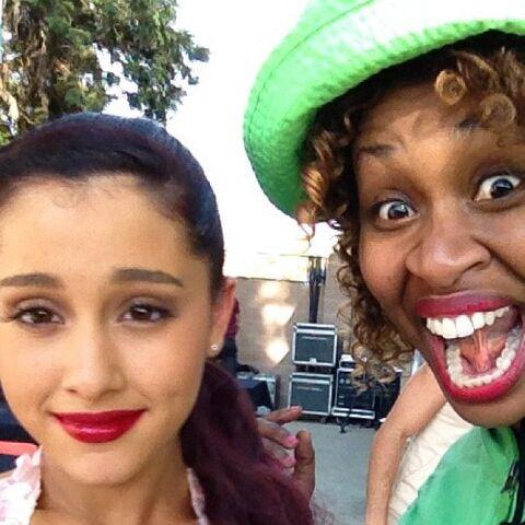 File:Ariana&&Glo.jpg