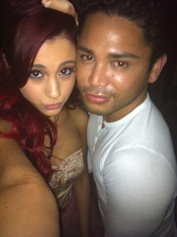 File:Isaac and ariana selfie red hair.jpg
