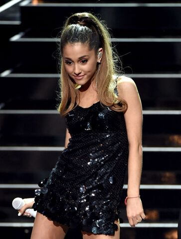 File:Ariana-grande-performs-at-iheartradio-music-awards-2014-in-los-angeles 1.jpg
