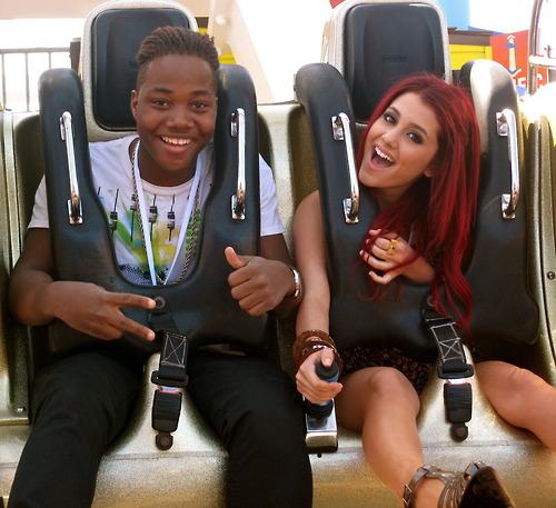File:Ariana&Leon on a rollercoaster.jpg