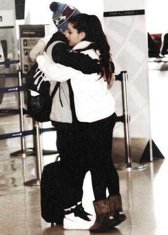 File:Ariana crying at the airport.jpg